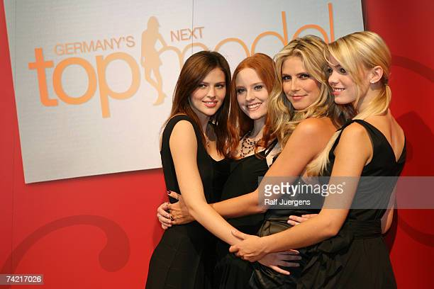 Hana Barbara Heidi Klum and Anni attend a photocall for PRO7 TV show 'Germanys Next Topmodel' on May 22 2007 at Cologne Germany