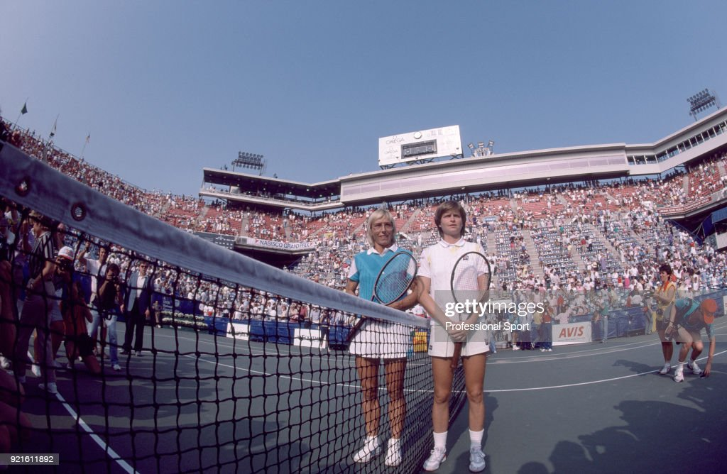 Hana Mandlikova of Czechoslovakia (right) and Martina Navratilova of the USA pose together ahead of the Women's Singles Final match in the US Open at the USTA National Tennis Center on September 7, 1985 in Flushing Meadow, New York, USA.