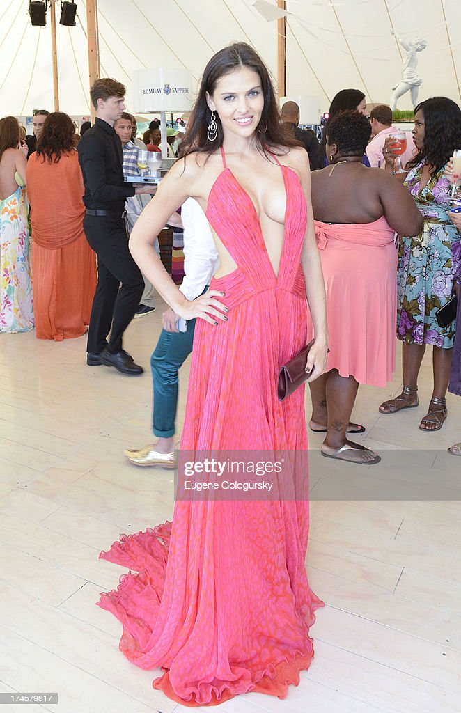 Russell Simmons 14th Annual Art For Life Benefit Sponsored By BOMBAY SAPPHIRE Gin : Nachrichtenfoto