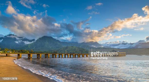 hanalei beach at hanalei bay. kauai, hawaii - north shore stock photos and pictures