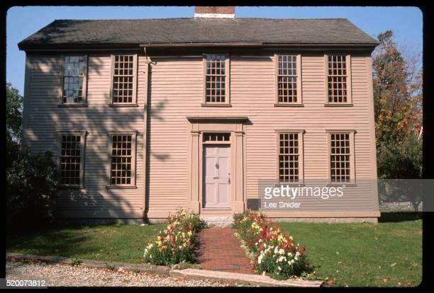 hancock-clarke house of lexington - レキシントンの戦い ストックフォトと画像