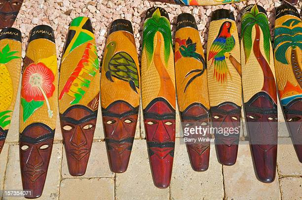 hand carved and painted faces from jamaica - ファルマス ストックフォトと画像