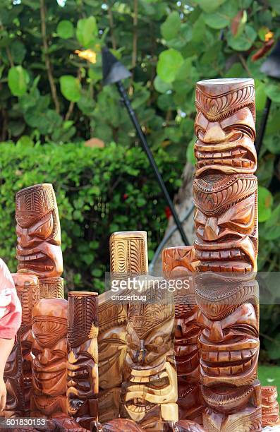 hand carved tiki statues - totem pole stock pictures, royalty-free photos & images