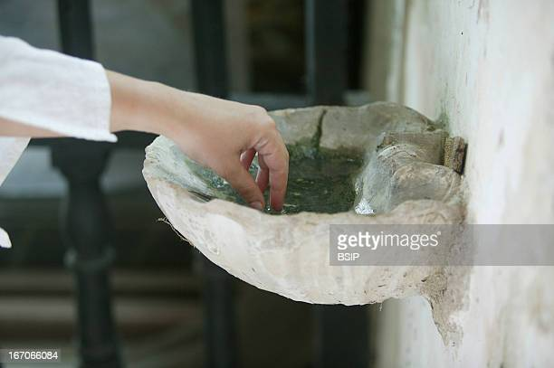 Hand Church of the Ferte Loupiere France Font