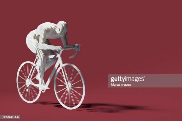 Hand geschnitten Papier Abbildung eines Radfahrers