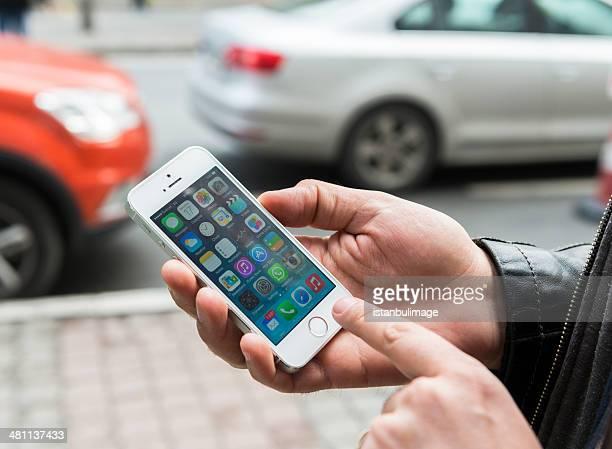 Hand holding und berühren iPhone 5 Jahren