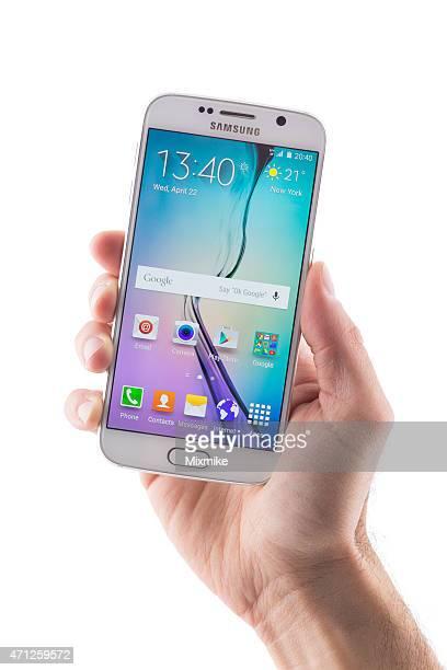 ハンド保持 Samsung Galaxy S 6 、クリッピングパスを表示