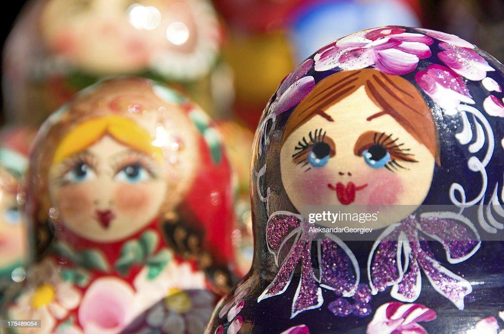 Hand painted Babushka or Matryoshka Russian Nesting dolls : Stockfoto