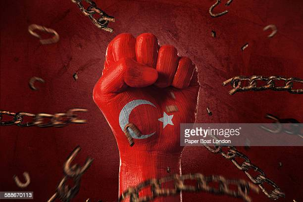 Hand painted with flag of turkey ,loose chains