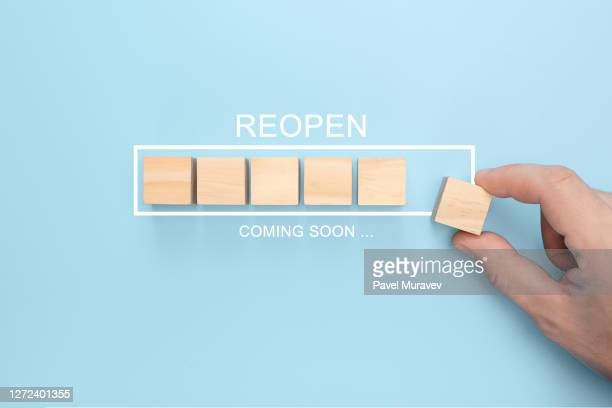hand putting wooden cube virtual infographic