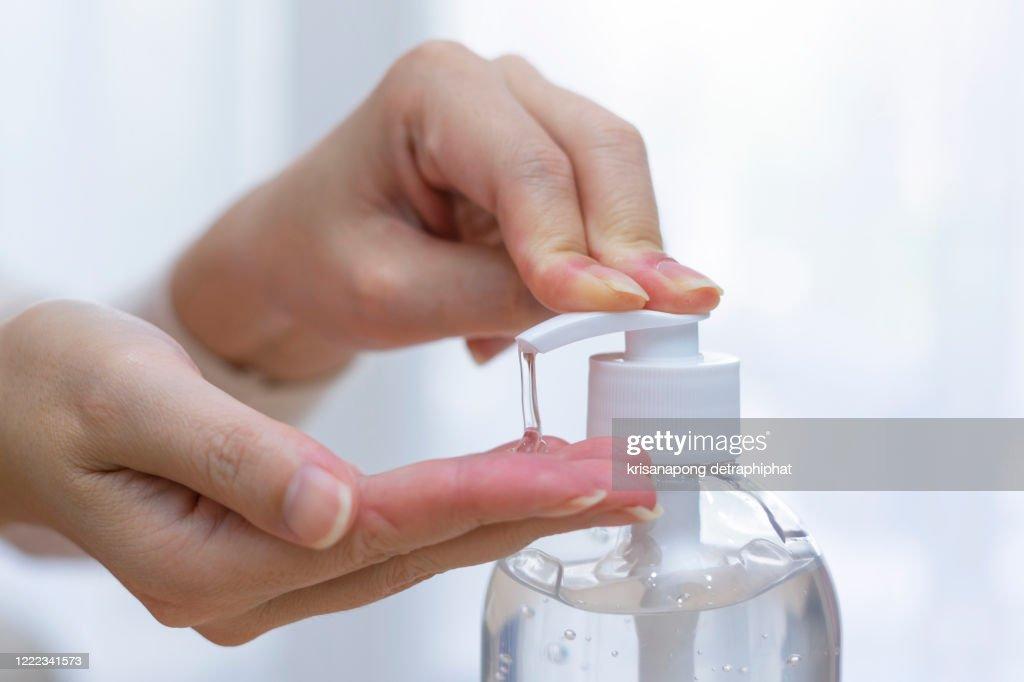 Hand washing gel prevents coronavirus infection,coronavirus,Alcohol gel and face mask,Hand gel : ストックフォト