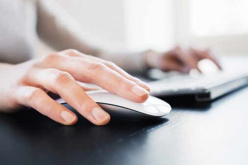 Hand with Computer Mouse 185230011