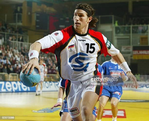 Handball / Maenner EM 2004 in Slowenien Koper Deutschland Frankreich 2929 Torsten JANSEN / GER 250104