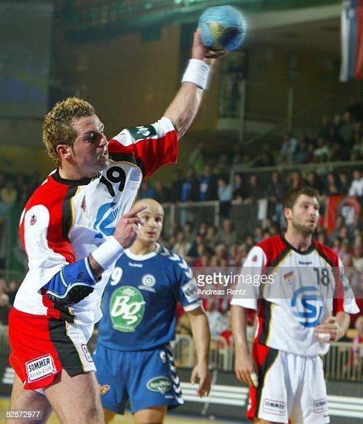Handball / Maenner: EM 2004 in Slowenien, Koper; Deutschland - Serbien Montenegro ; Florian KEHRMANN / GER 22.01.04.