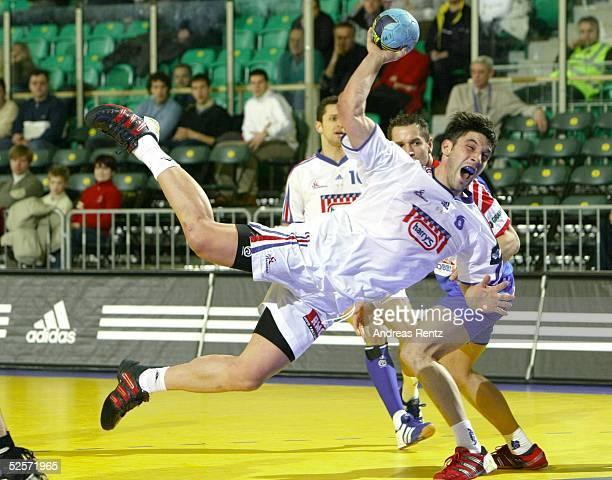 Handball / Maenner EM 2004 in Slowenien Ljubljana Tschechien Frankreich Bertrand GILLE / FRA 280104
