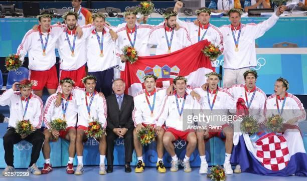 Handball / Maenner Olympische Spiele Athen 2004 Athen Finale Deutschland Kroatien 2426 Gold Team Kroatien 290804