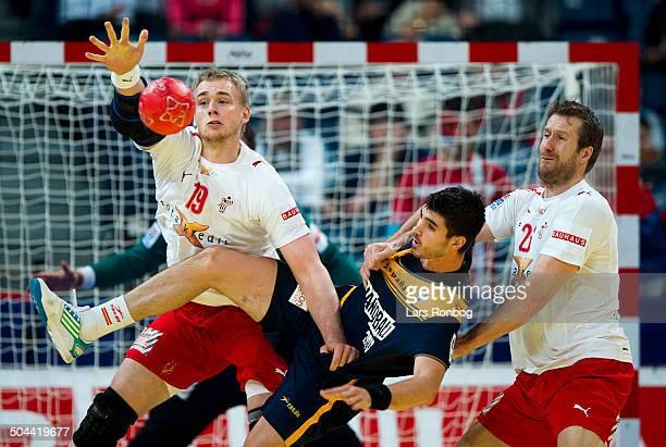 Handball Semifinal Spain vs. Denmark in Belgrade - Eduardo Gurbindo, Spain / Spanien - René Toft Hansen, Danmark / Denmark - Kasper Nielsen, Danmark...