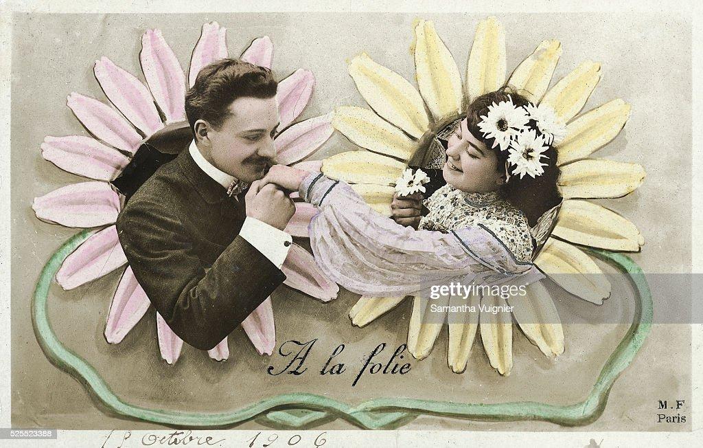 Man Kisses Woman's Hand : News Photo