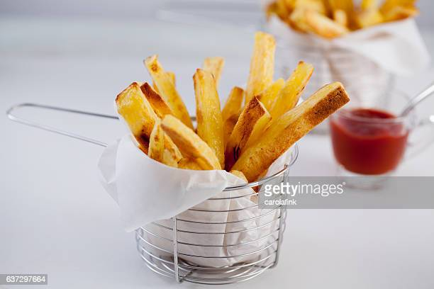 hand-cut french fries - carolafink stock-fotos und bilder