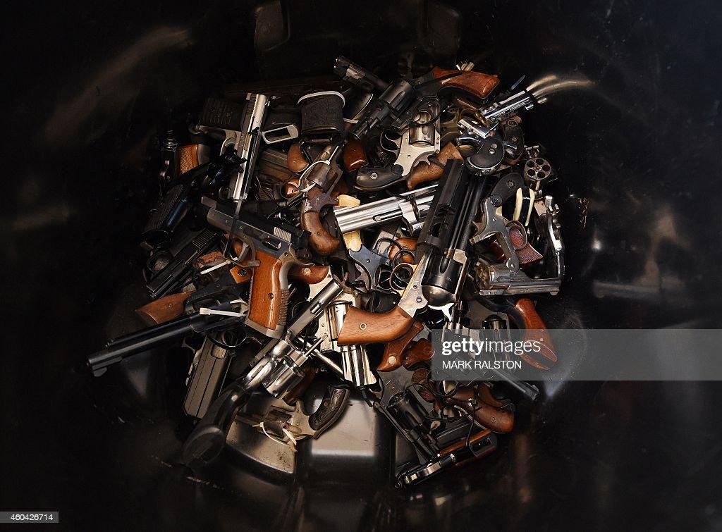 US-POLICE-GUN-BUYBACK : News Photo