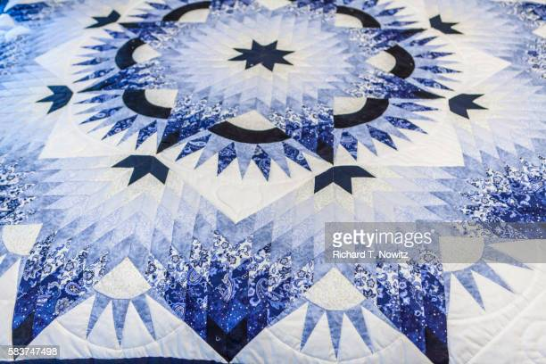Handmade Amish quilts for sale