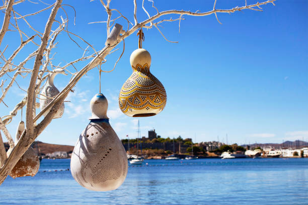 handmade lamps made of water pumpkin calabash at seaside of bodrum city in turkey - Krbis Tischlampen