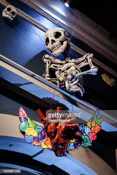 """handmade papier mache day of the dead human skeleton figure  in oaxaca (oaxaca state, mexico) - """"gerard puigmal"""" stock pictures, royalty-free photos & images"""
