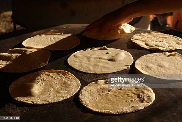handmade tortillas - tortilla flatbread stock pictures, royalty-free photos & images
