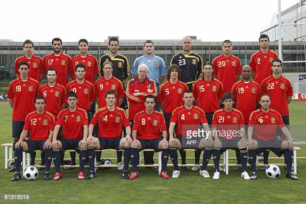 Handout photo of the Spanish squad for the Euro 2008 football Championships taken at the Las Rozas sports city near Madrid on May 29 2008 Fernando...