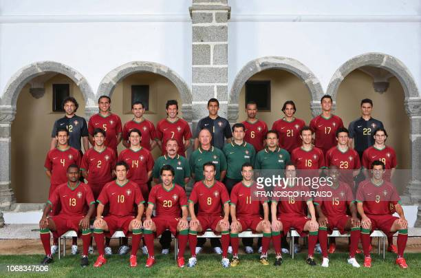 Handout picture by Portuguese Football Federation shows the portuguese squad posing in Evora 30 May 2006 Joaquim Silva , Fernando Meira, Pedro...