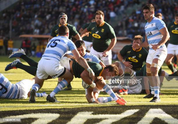 Handre Pollard of South Africa scores a try during a match between Argentina and South Africa as part of The Rugby Championship 2019 at Padre Ernesto...