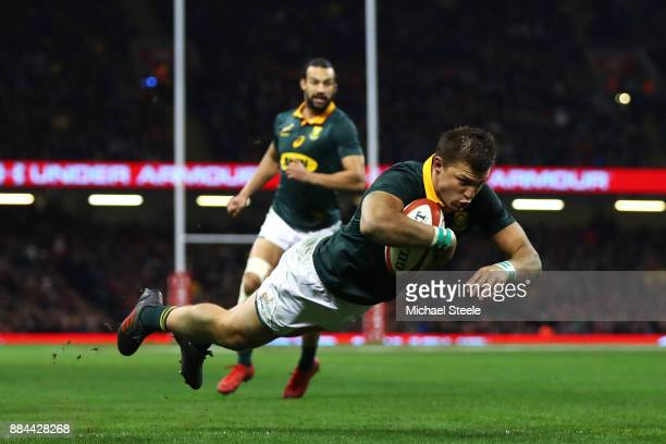 Handre Pollard of South Africa touches down for the second try during the international match match between Wales and South Africa at Principality...