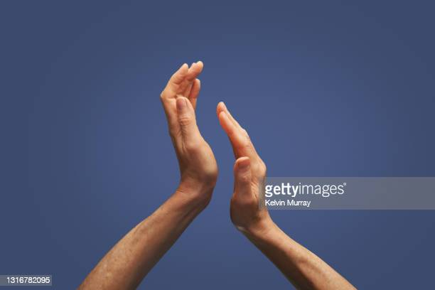 hands clapping - clapping hands stock pictures, royalty-free photos & images