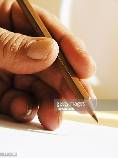 Hände: close-up hand zu schreiben