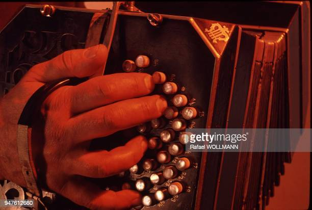 AIRES ARGENTINA Hands on Bandoneon the instrument for Tamgo The hands belong to Rodolfo Mederos one of the most famous musicians