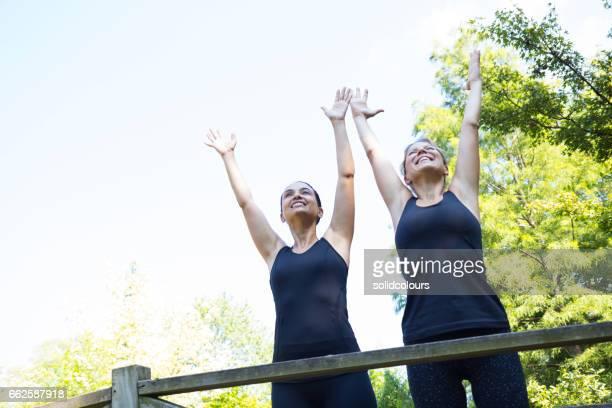 Handzeichen im park