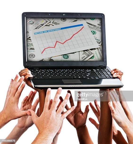 Mãos chegar para a mobilidade no computador portátil gráfico para cima