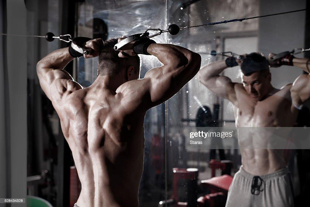 ゴルフに筋肉はあったほうがいい?筋肉がある人ない人で比較してみた!