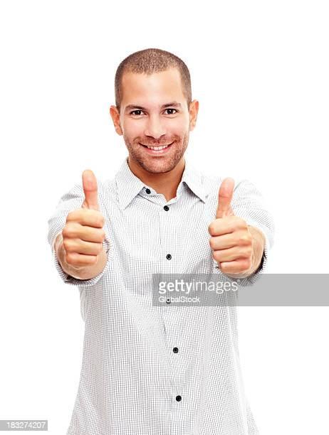 Bel homme portant un pouce levé signe sur fond blanc