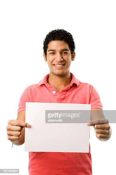 Gut aussehender Mann hält eine leere Papier