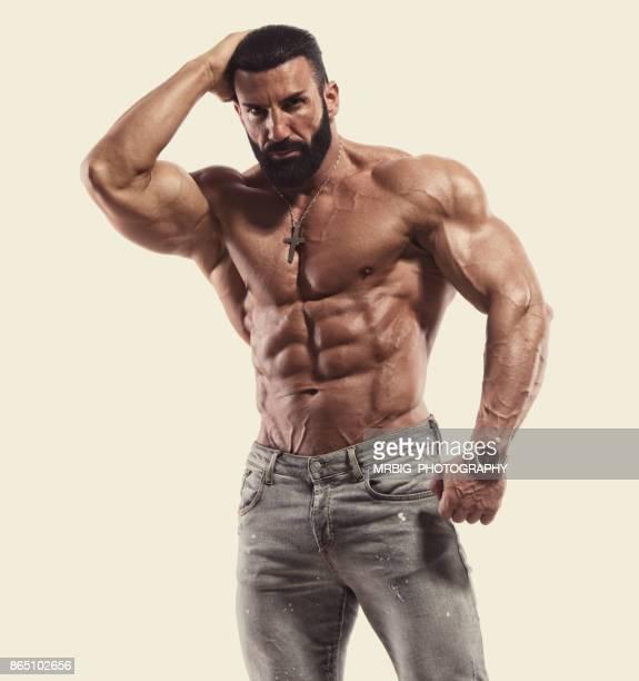 Schöne harte muskulöse Männer