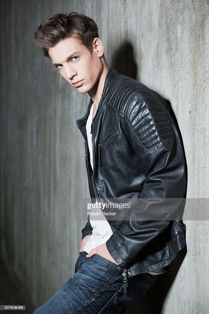 Handsome young guy with leather jacket : Photo