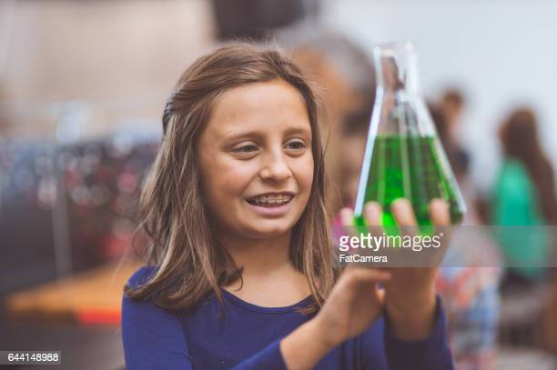 hands-on science lab - volume fluid capacity stock pictures, royalty-free photos & images