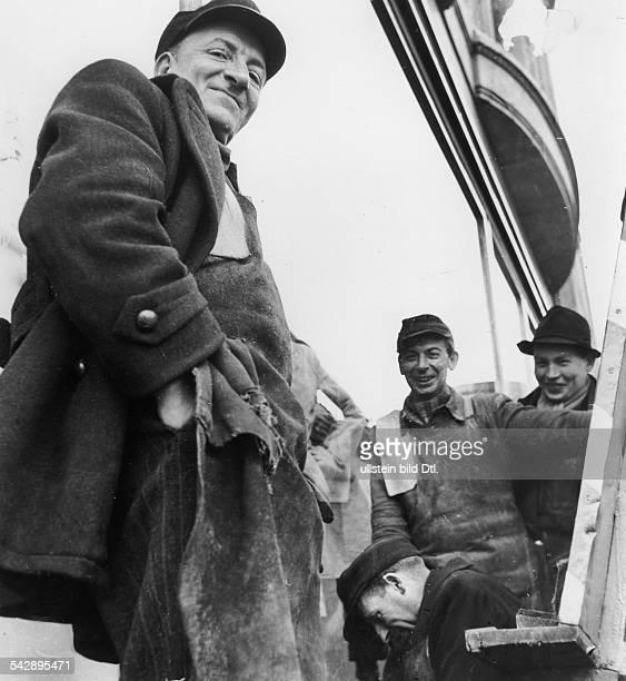 Handwerker der Glaserei Baumann1953