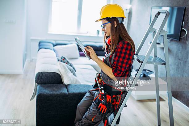 Handy woman Using technology