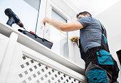 Handyman measuring window for cassette roller blinds.