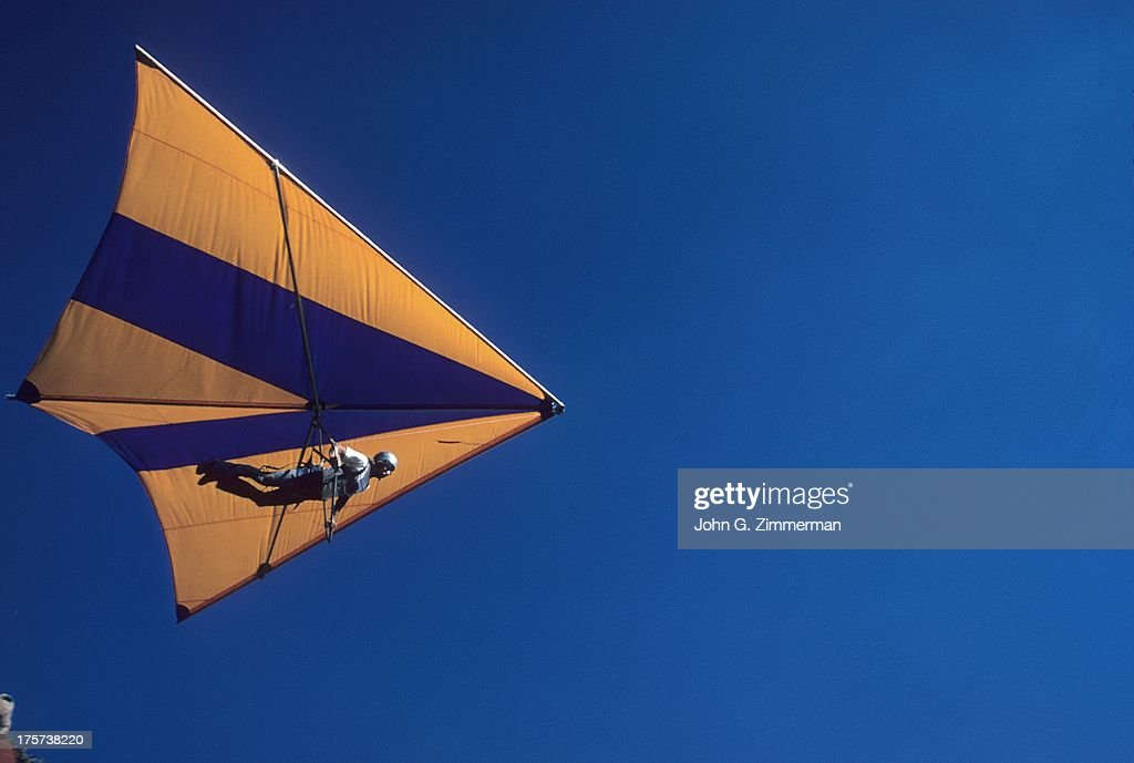 1973 Annie Green Springs National Hang-Gliding Championships : News Photo