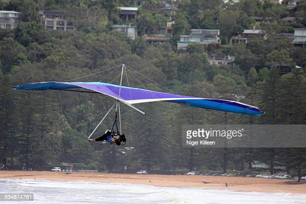 hang glinding - gliding stock pictures, royalty-free photos & images