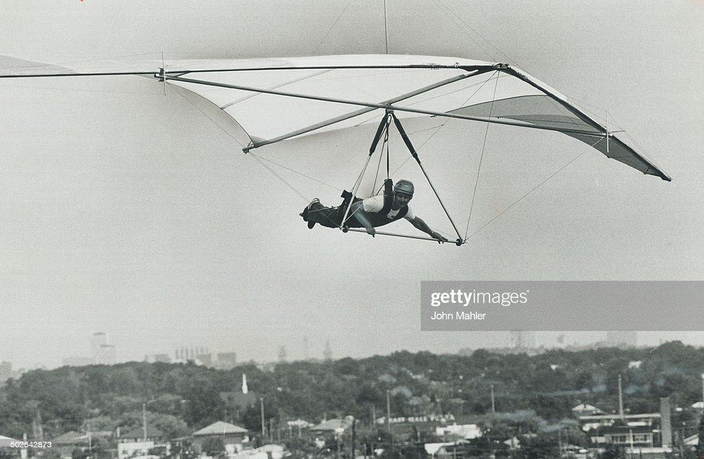 Hang Glider Pilot John Bremner Of Mississauga Soars From Etobicoke S