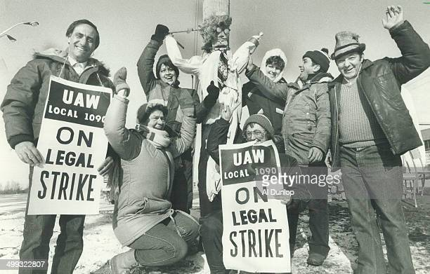 Hanging the boss Strikers on the picket line at Chrysler's Ajax plant raised an effigy of Chrysler chairman Lee lacocca yesterday But the day ended...